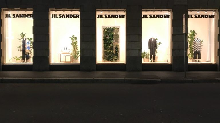 http://www.oddgarden.com/works/jil-sander-display-by-odd-garden/